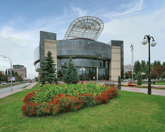 Захват админзданий продолжается: в Соломенскую РГА ворвались неизвестные
