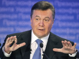 Проходит подготовка к пресс-конференции с Януковичем: усилена охрана и проверяются вещи