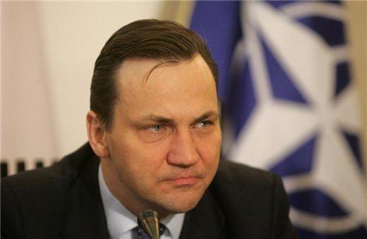 Украинской власти необходимо возобновить отношения с Россией, - глава МИД Польши