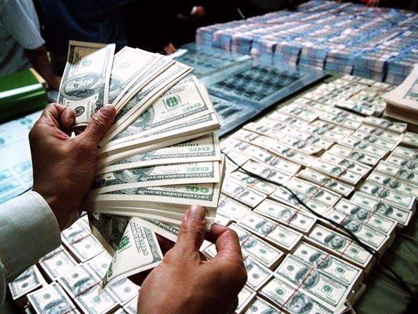 Курс доллара поднялся до 12 гривен