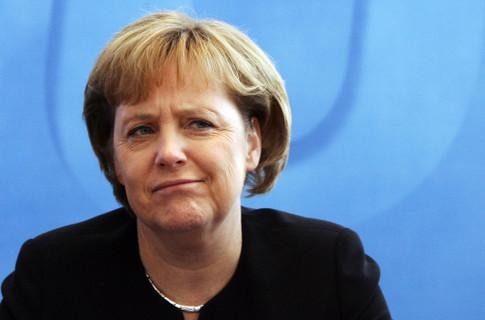 СМИ: Меркель призвала Путина уважать выбор Украины