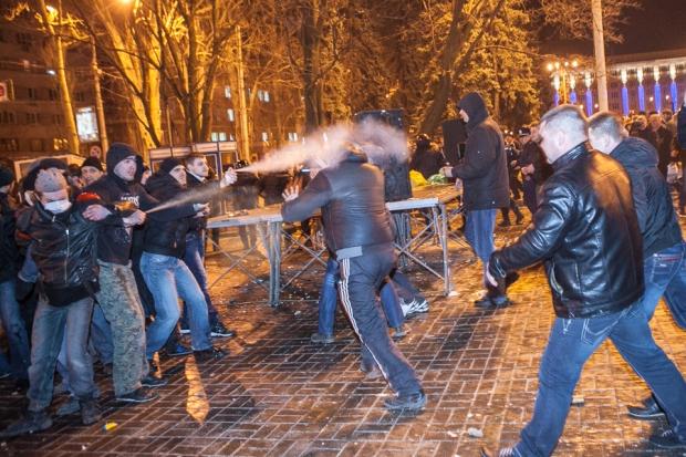 На въезде в Донецк появились патрули с автоматами