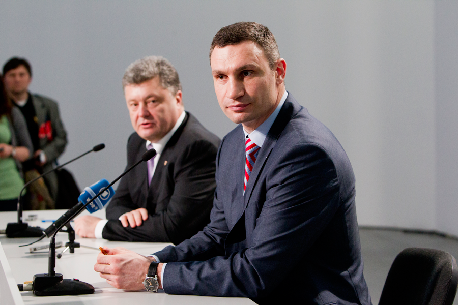 Власть должна вмешаться в ситуацию на Востоке - Кличко