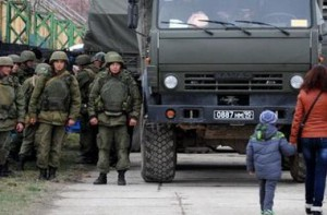 Российские войска устанавливали противотанковые мины в Феодосии