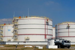 Крымские власти захватили Феодосийскую нефтебазу