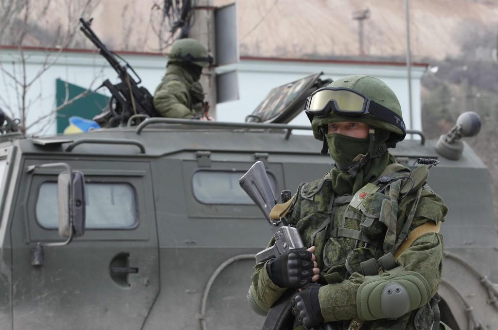 Российские войска на границе с Луганской областью