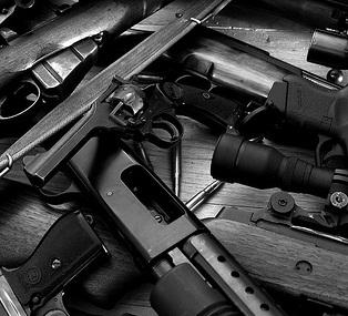 Российские военные заблокировали оружейную базу в Инкермане