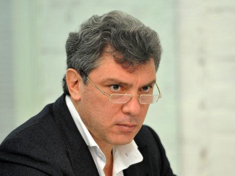 Немцов: Путин сходит с ума
