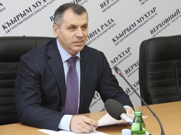 Никто не подчиняется Киеву - спикер парламента Крыма Константинов