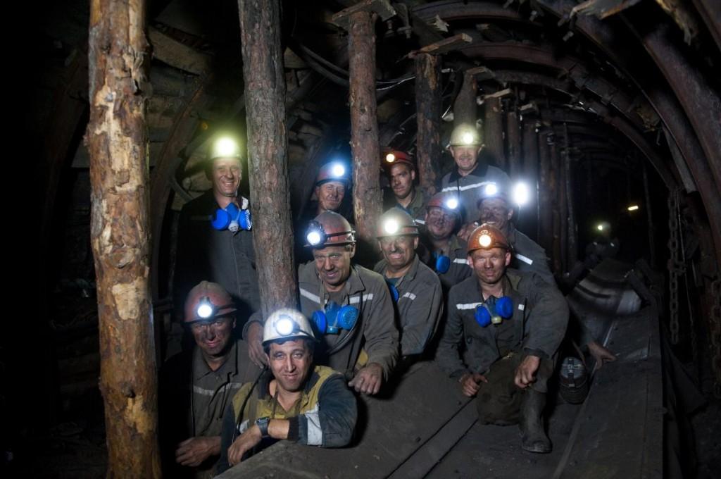 Террористы захватили четыре шахты: требуют выдать им взрывчатку