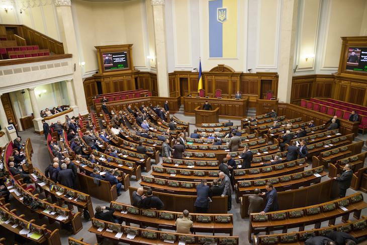 Из фракции коммунистов сбежали шесть депутатов