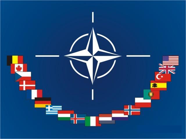 НАТО приостанавливает сотрудничество с Россией