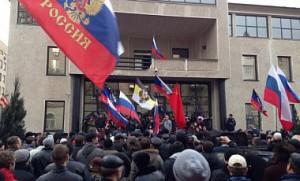 Янукович финансирует сепаратистские беспорядки в Луганске