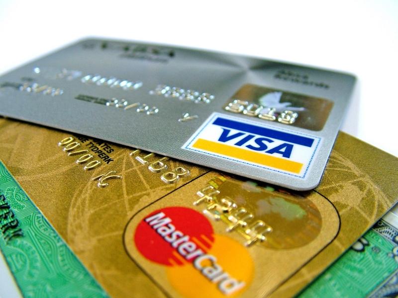 В крымских отелях перестали принимать банковские карты
