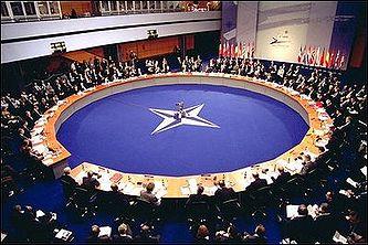 НАТО закрывает россиянам доступ к своей штаб-квартире