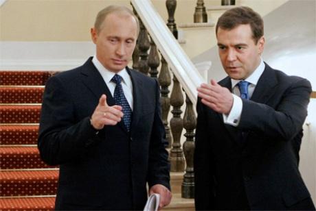 Путин и Медведев приедут в Крым 9 мая