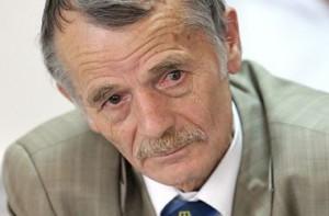 Российский суд оштрафовал крымских татар за поддержку Джемилева