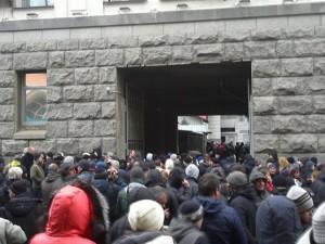 В Харькове сепаратисты идут к СИЗО, чтобы освободить своих соратников