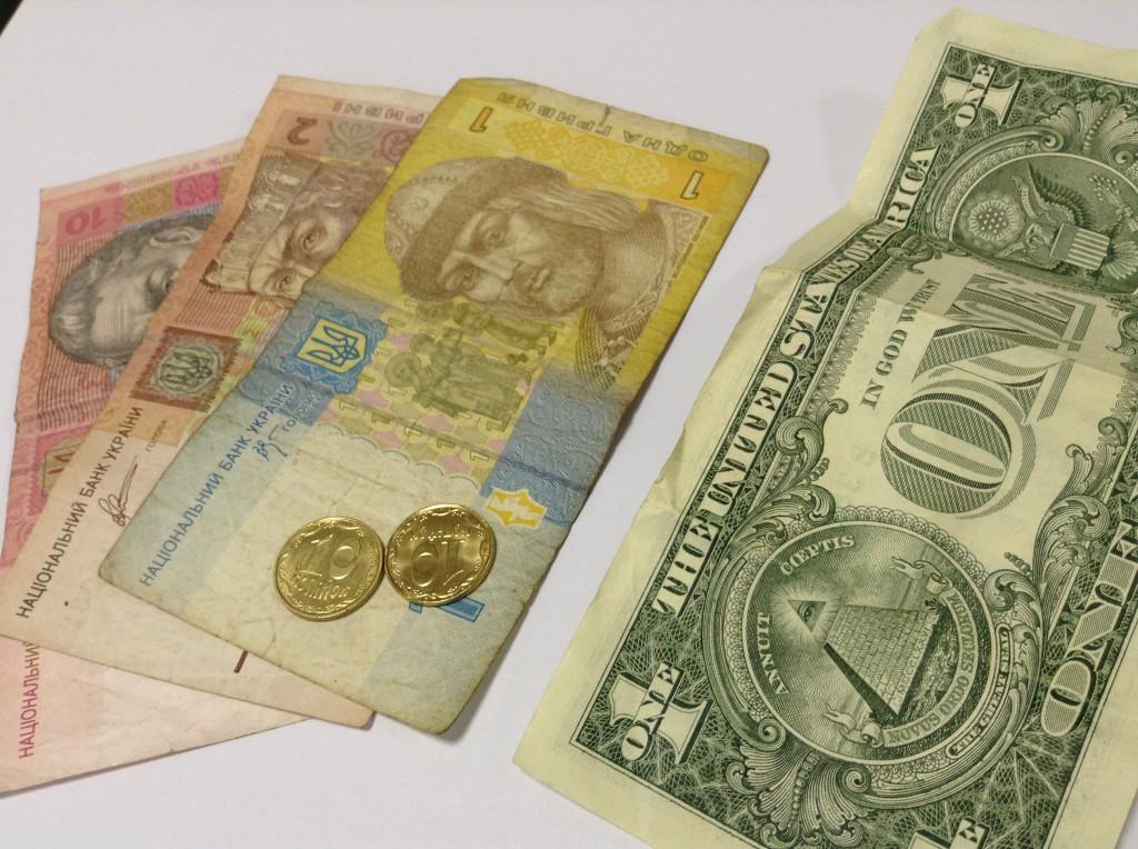 Межбанк открылся долларом по 11, 65 гривны