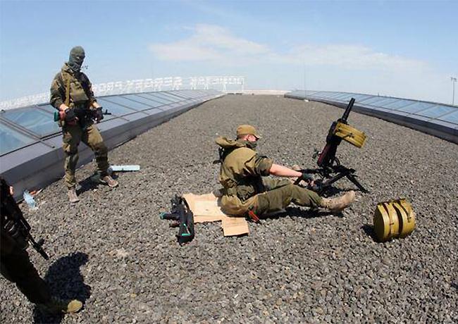 Очевидцы: Боевики штурмуют аэродром Краматорска