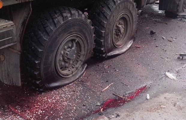 СМИ: Украинские военные уничтожили два КамАЗа с боевиками