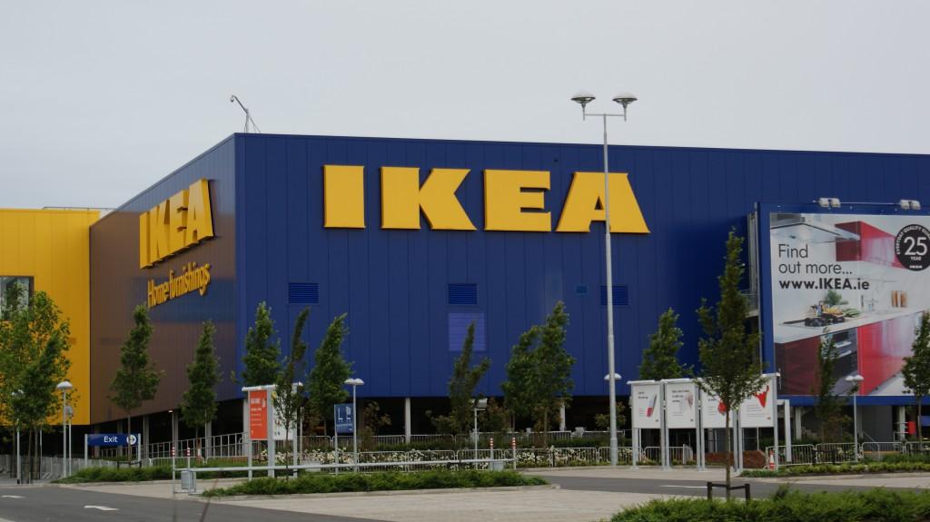 IKEA  ограничила работу в Украине
