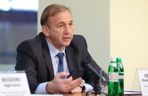 Экс-министр промполитики трудоустроился на комбинате Ахметова