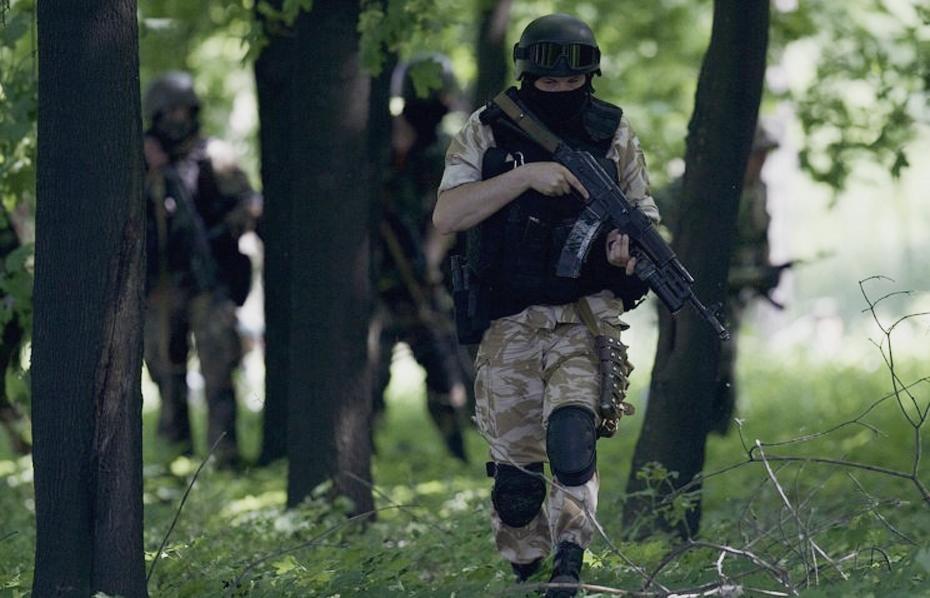 Террористы захватили прокуратуру в Лисичанске