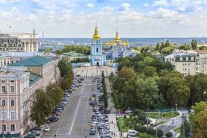 В центре Киева восстановили движение транспорта
