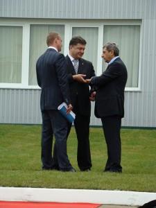 Справа на лево: Олег Свинарчук, Петр Порошеко, Тариэл Васадзе