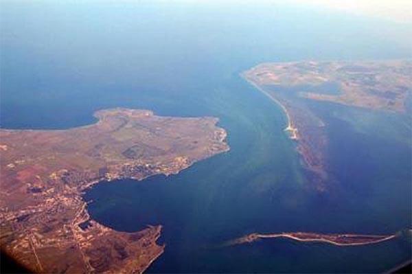В Крыму строят переправу между Керчью и Темрюком