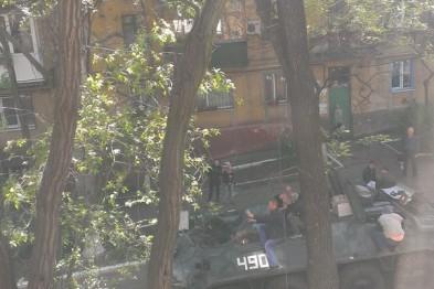 Мариуполь. Сепаратисты угнали БТР