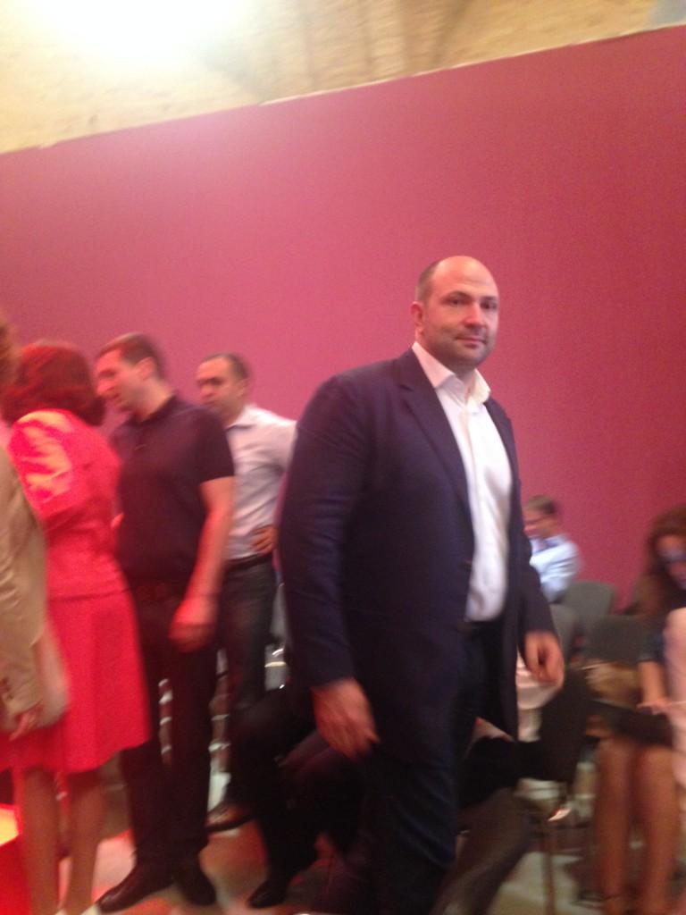 Поздравить Кличко и Порошенко пришел бизнесмен Лев Парцхаладзе