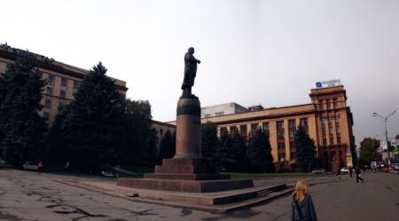 Памятник Ленину демонтировали в Днепропетровске