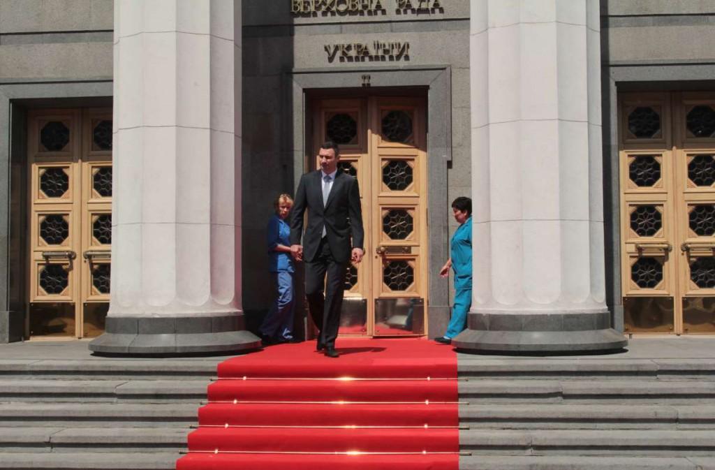 Виталий Кличко на красной ковровой дорожке президента