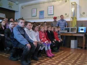 Большинство школьников ходили зимой в резиновых сапогах
