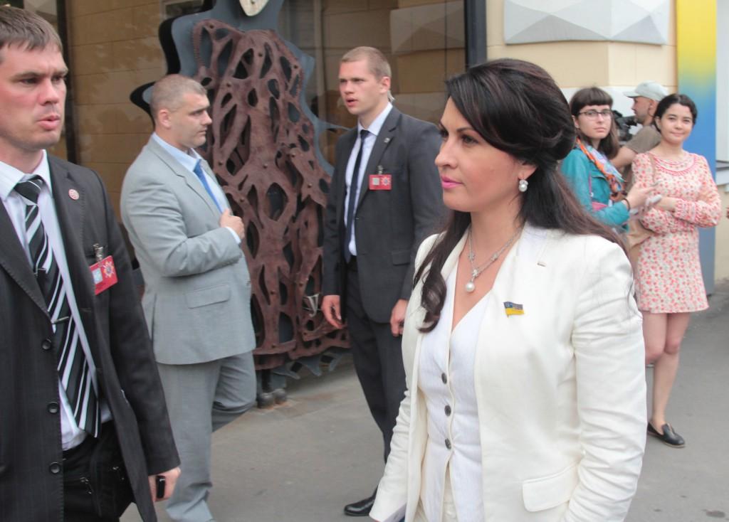 депутат КПУ Оксана Калетник