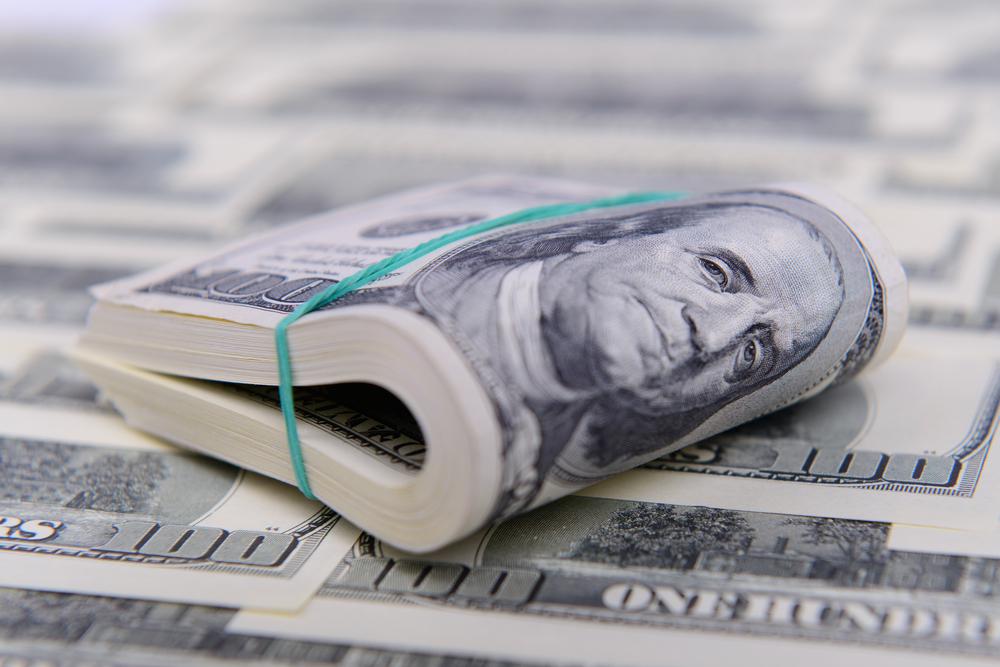 Рада ввела санкции для банков за валютные манипуляции