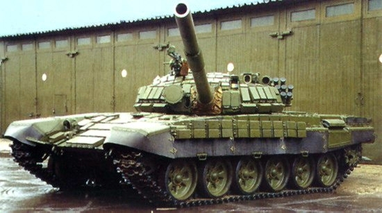 Террористы перегнали к Донецку два российских танка Т-72