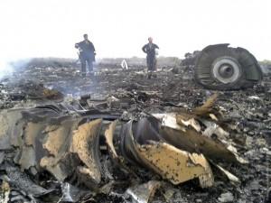 Российские СМИ выдали очередную версию - самолет сбили украинские военные, покушались на Путина