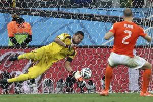 UEFA запретила командам Украины и России играть в еврокубках