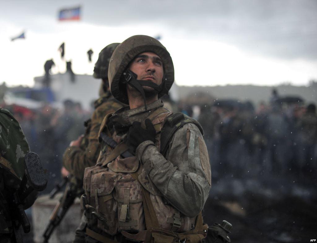 Силы АТО советуют мирным жителям покинуть Донецк и Луганск