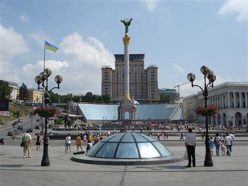 Ремонт Крещатика обошелся в 10 млн гривен