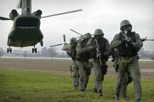 Военнослужащие Нидерландов требуют отправить их в Украину