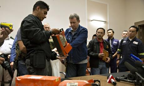 Malaysian investigator takes MH17 black box