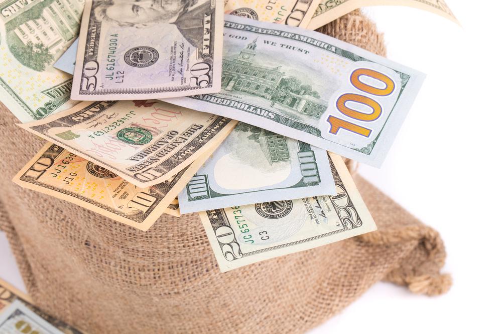 Межбанк открылся долларом по 22,98 грн/$
