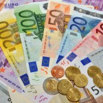 Курс евро преодолел психологическую отметку