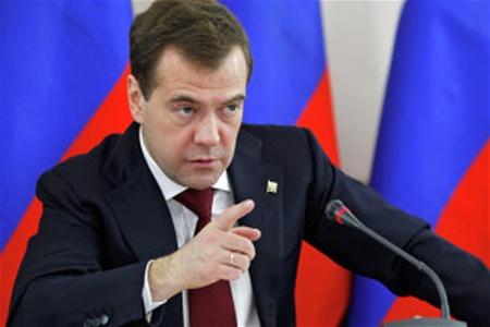 Медведев: Санкции не сломают экономику России