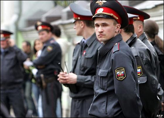 Милиция задержала мужчину, бросившего гранату в сторону Украинского дома