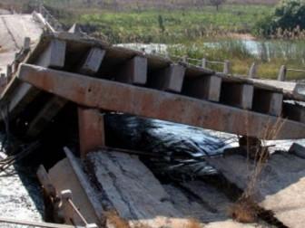 Несколько мостов взорвано в Луганской и Донецкой областях